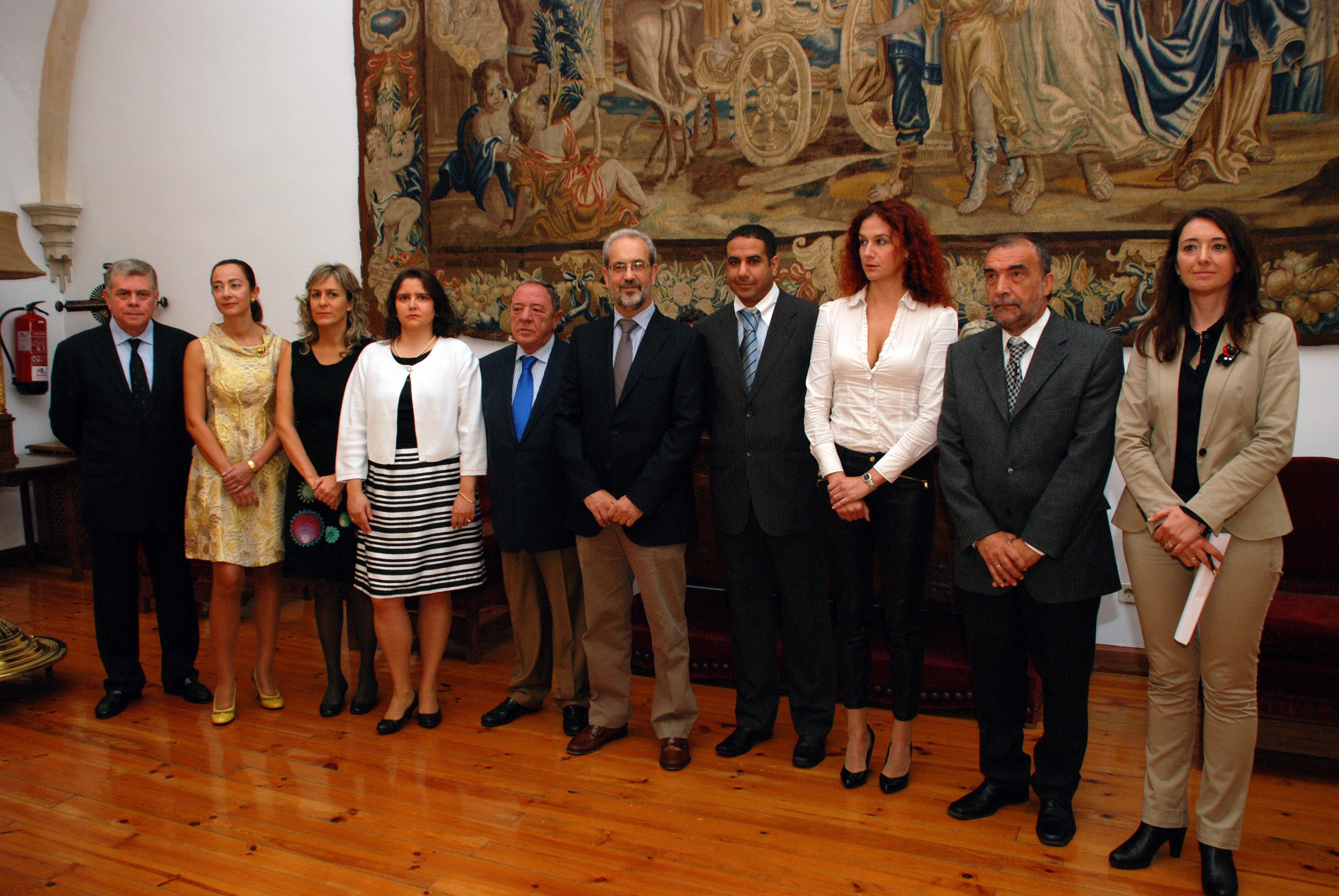 El rector preside la toma de posesión de cargo académico y personal docente e investigador de la Universidad de Salamanca