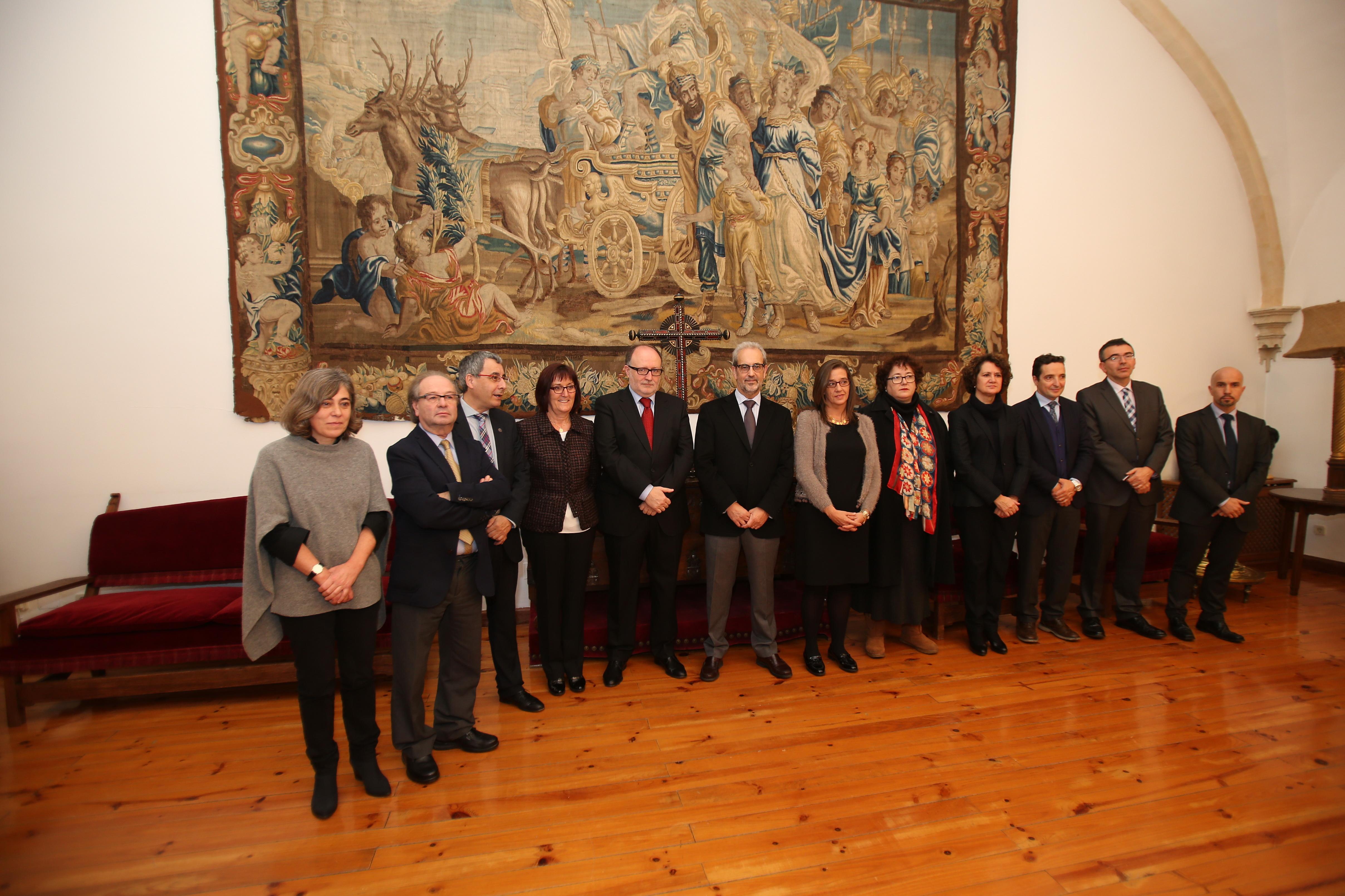 El rector preside la toma de posesión de los nuevos cargos de vicerrectores y secretaria general