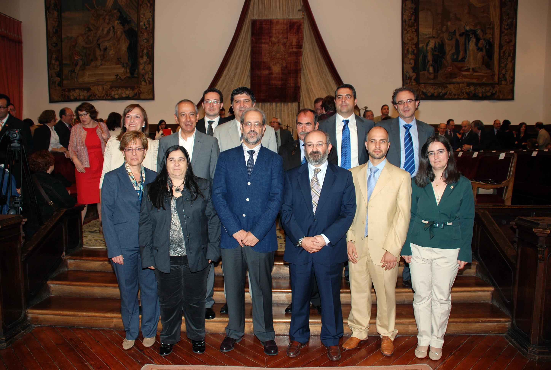 El rector preside la toma de posesión de cargos académicos y del personal docente e investigador de la Universidad de Salamanca