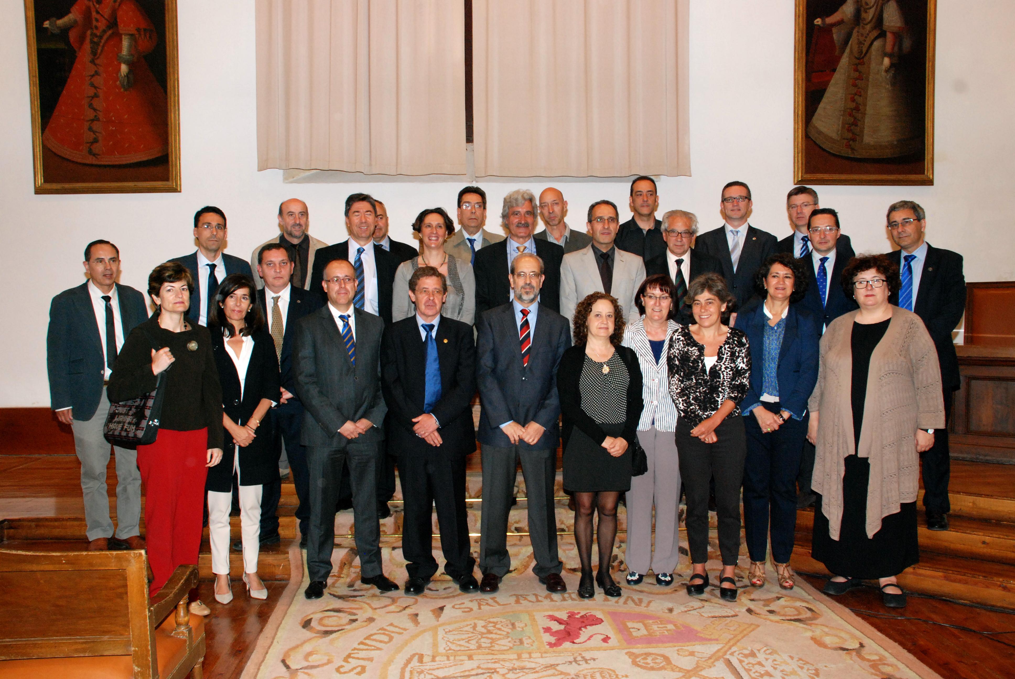 El rector preside la toma de posesión de cargos académicos y personal docente e investigador de la Universidad de Salamanca
