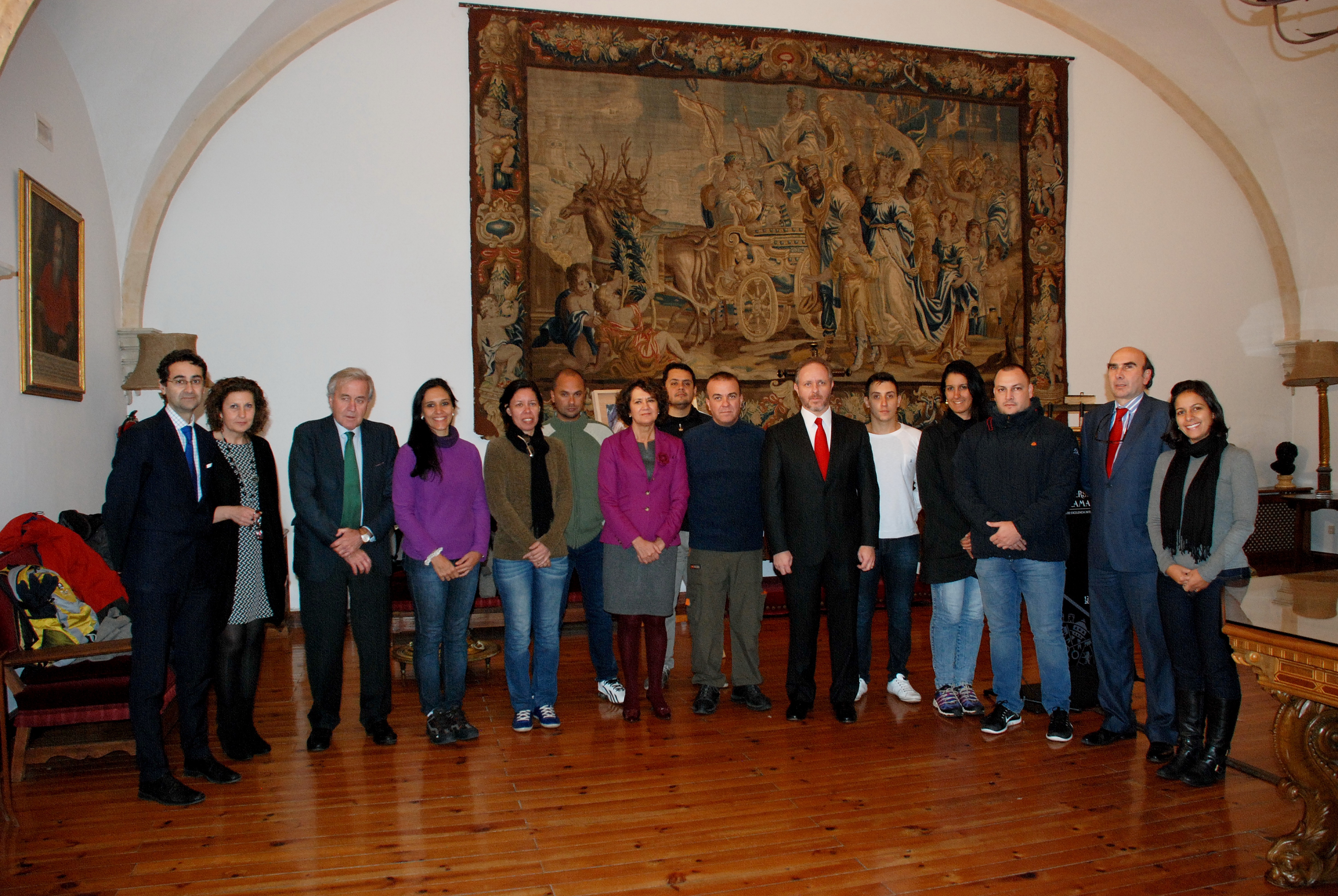 La Universidad de Salamanca recibe a 10 miembros de los cuerpos de seguridad de Brasil participantes del Programa Top España
