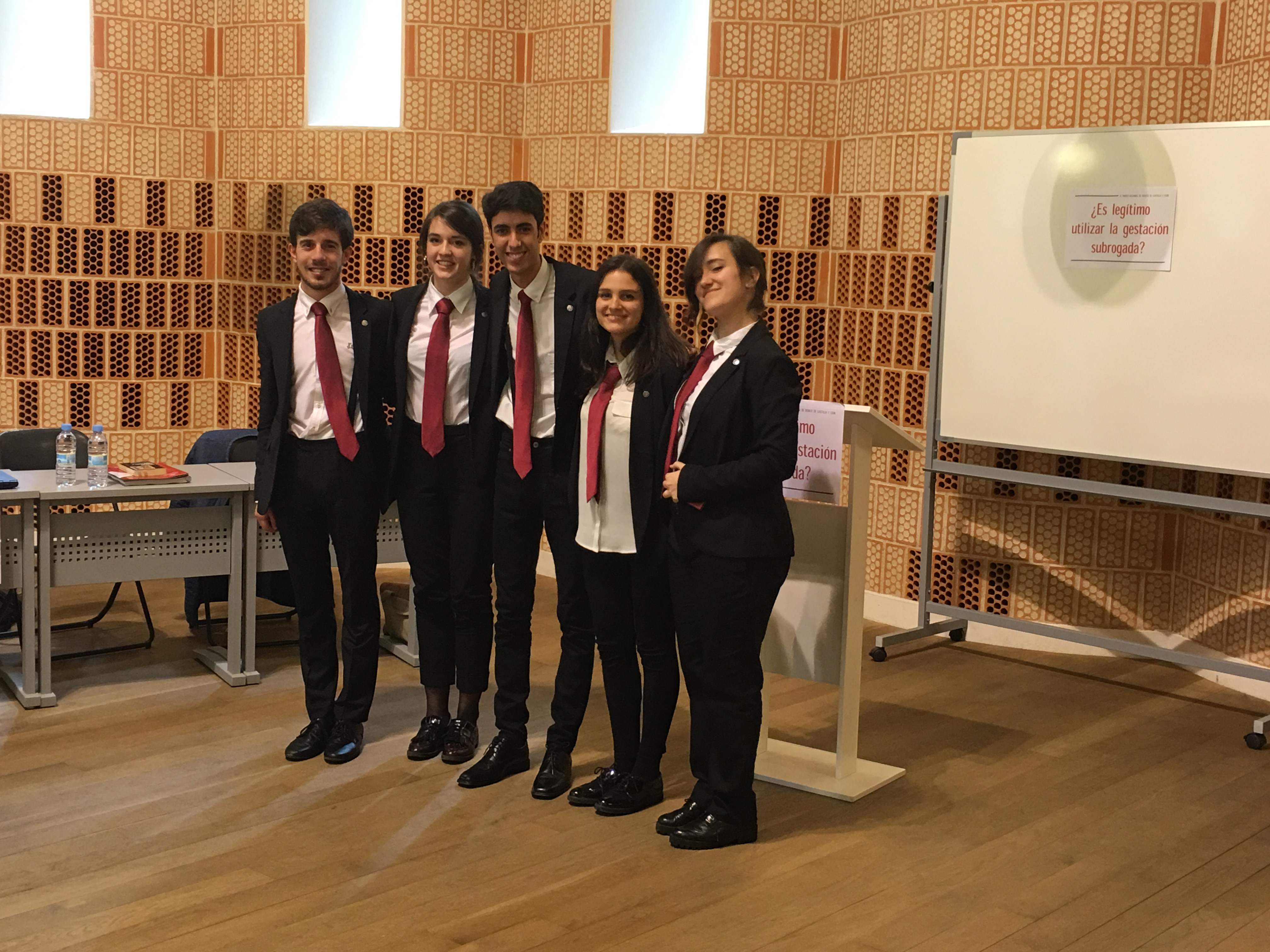 La estudiante Elena San José, de la Universidad de Salamanca, 'Mejor Oradora' del Torneo Regional de Debate de Castilla y León