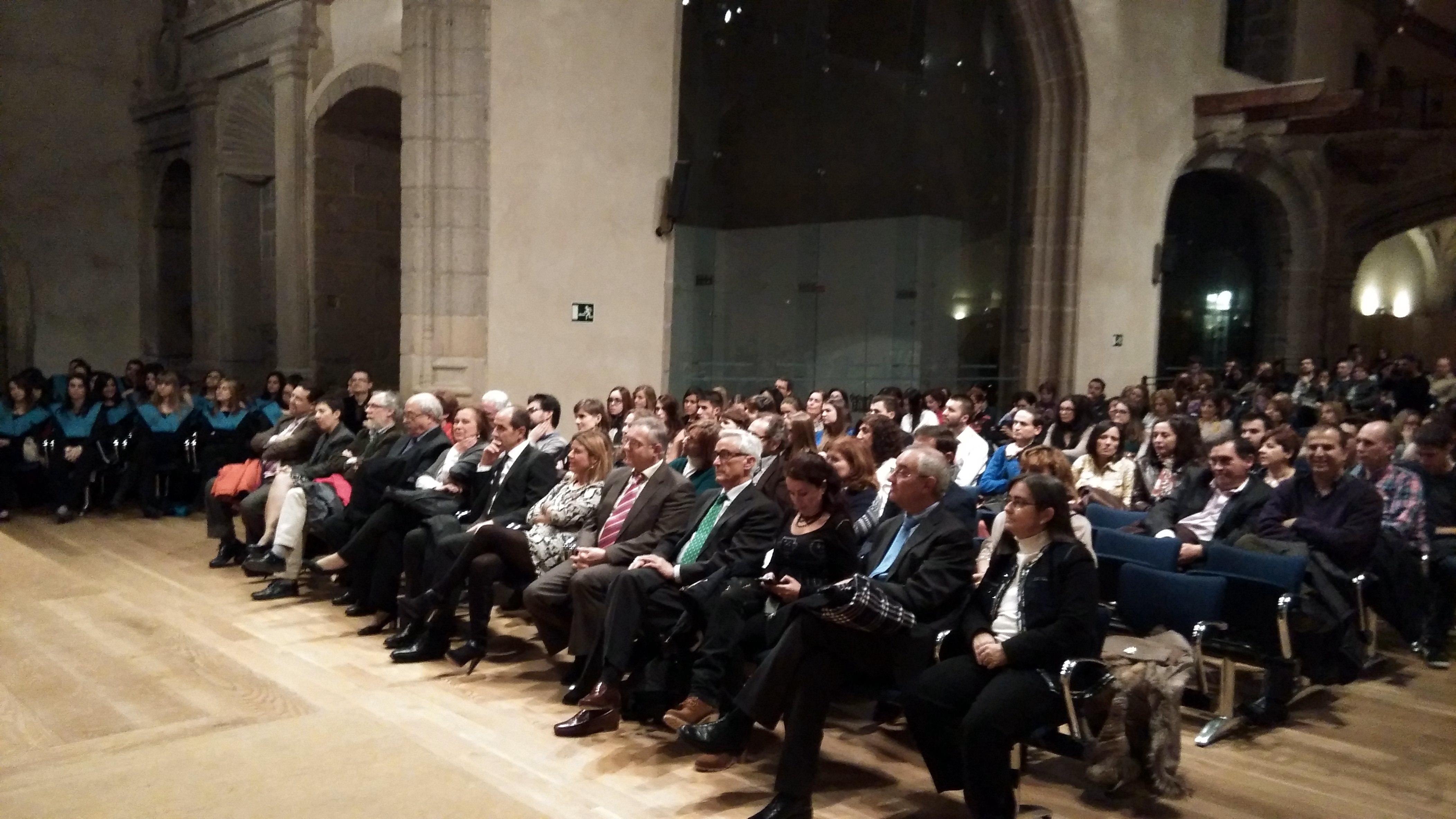 La vicerrectora de Internacionalización preside el acto de celebración del 25º aniversario de los estudios de Turismo en Ávila