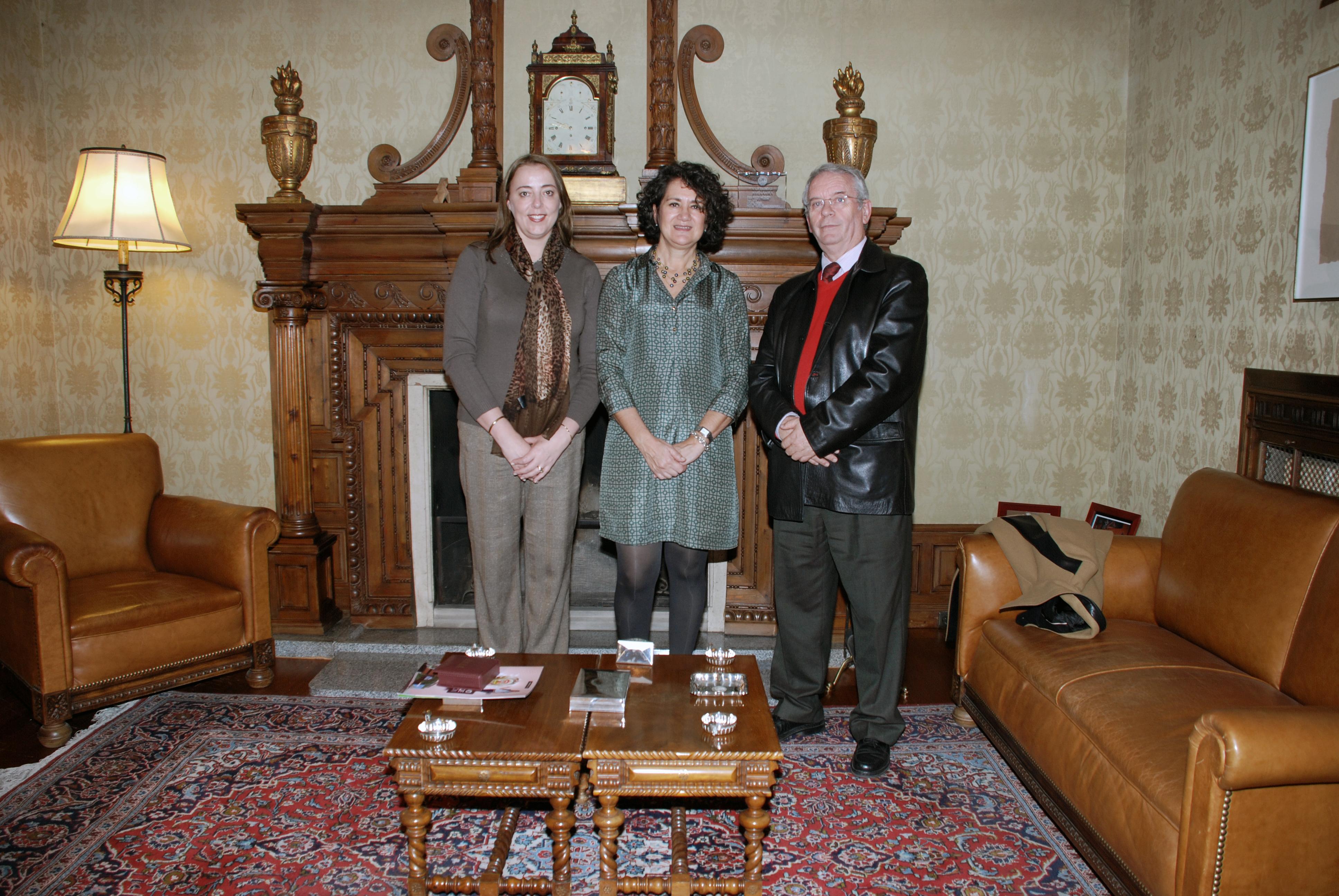 La rectora de la Universidad Autónoma de Encarnación visita la Universidad de Salamanca