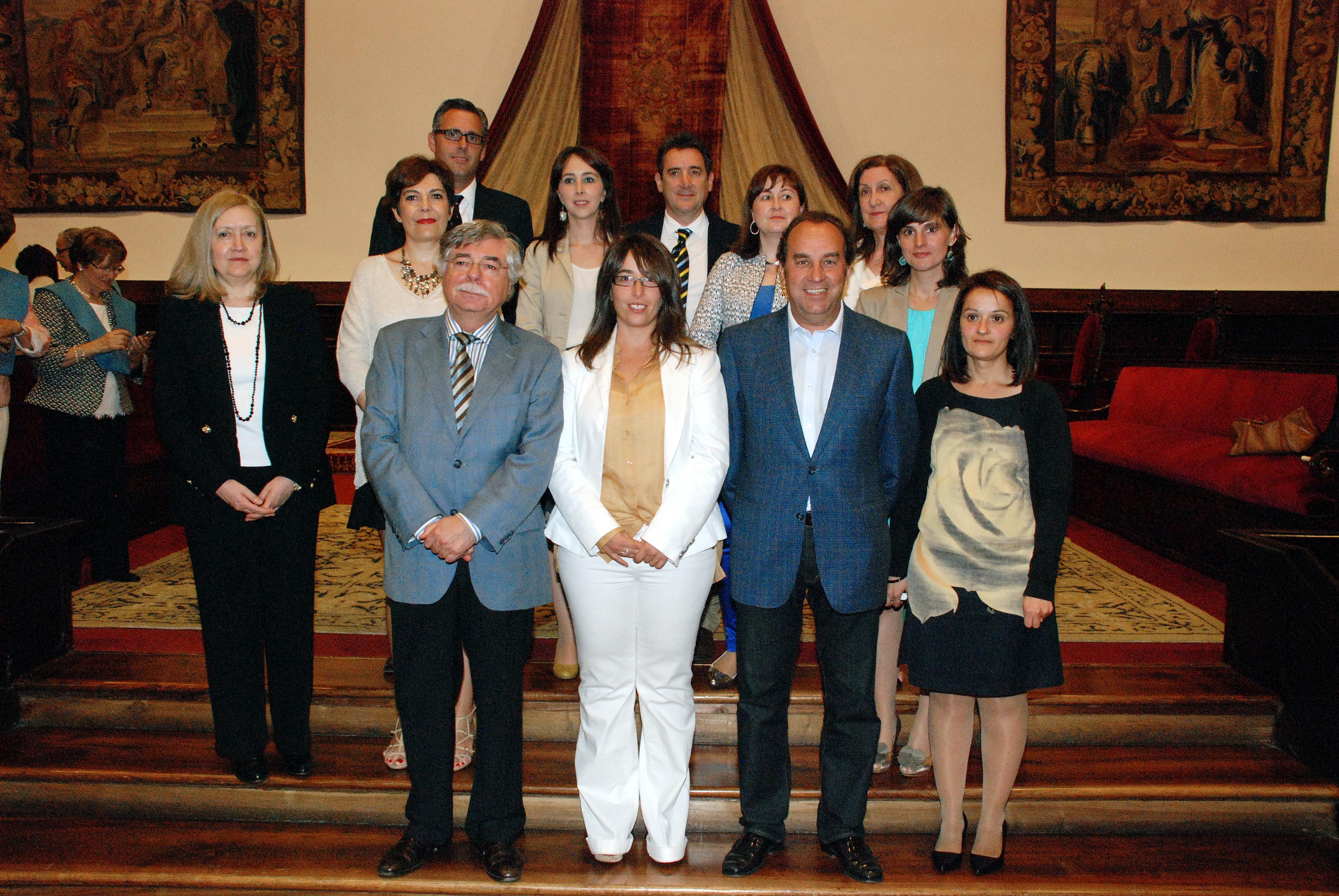 Más de 100 alumnos de la undécima promoción de la Universidad de la Experiencia reciben sus becas de graduación
