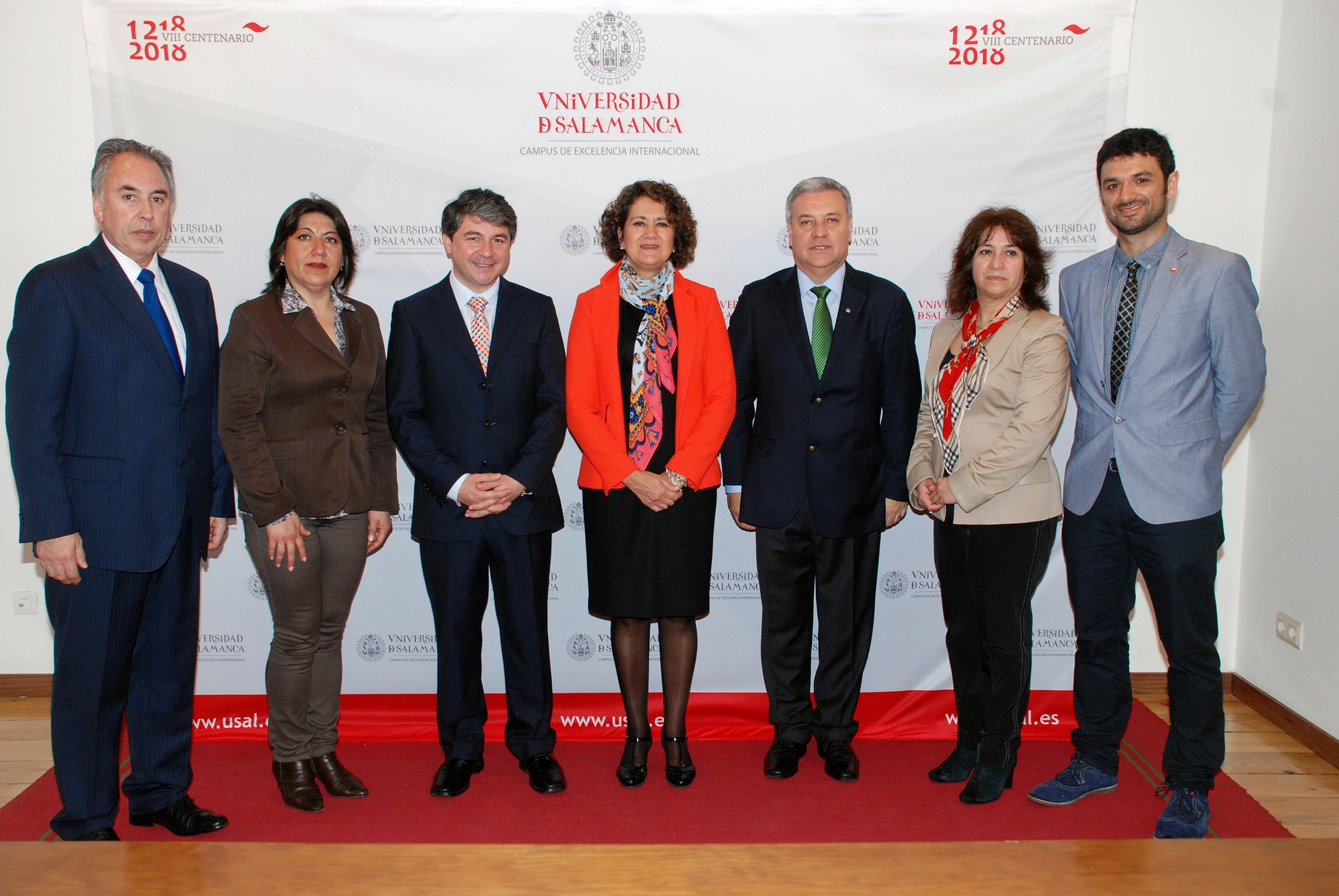 La vicerrectora de Internacionalización, Mª Ángeles Serrano, recibe a una delegación de la ciudad chilena de Valdivia