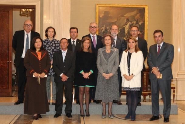El catedrático de Psicología de la Discapacidad Miguel Ángel Verdugo recoge el Premio Reina Sofía 2013 de Rehabilitación e Integración en el Palacio de la Zarzuela de manos de S.M la Reina