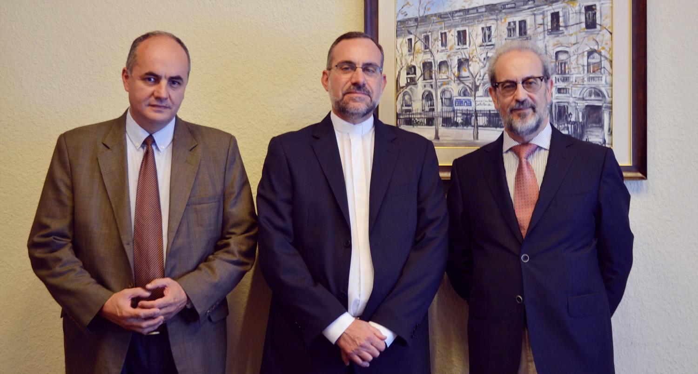 Los rectores de las universidades de Salamanca y Montevideo estudian la posibilidad de impulsar dobles titulaciones y el intercambio de estudiantes a nivel de postgrados