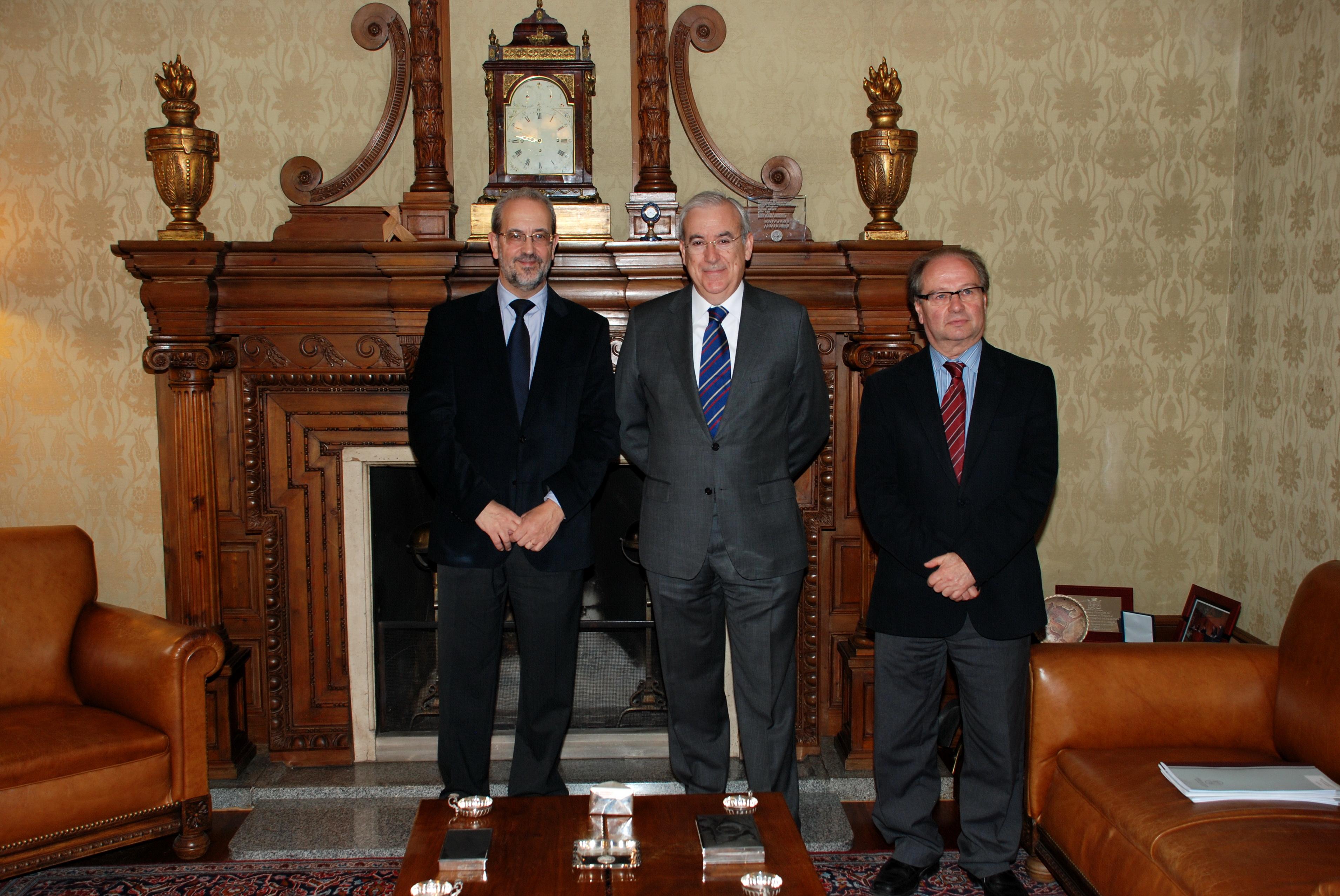 El rector de la Universidad de Salamanca recibe al presidente del Consejo de Cuentas de Castilla y León
