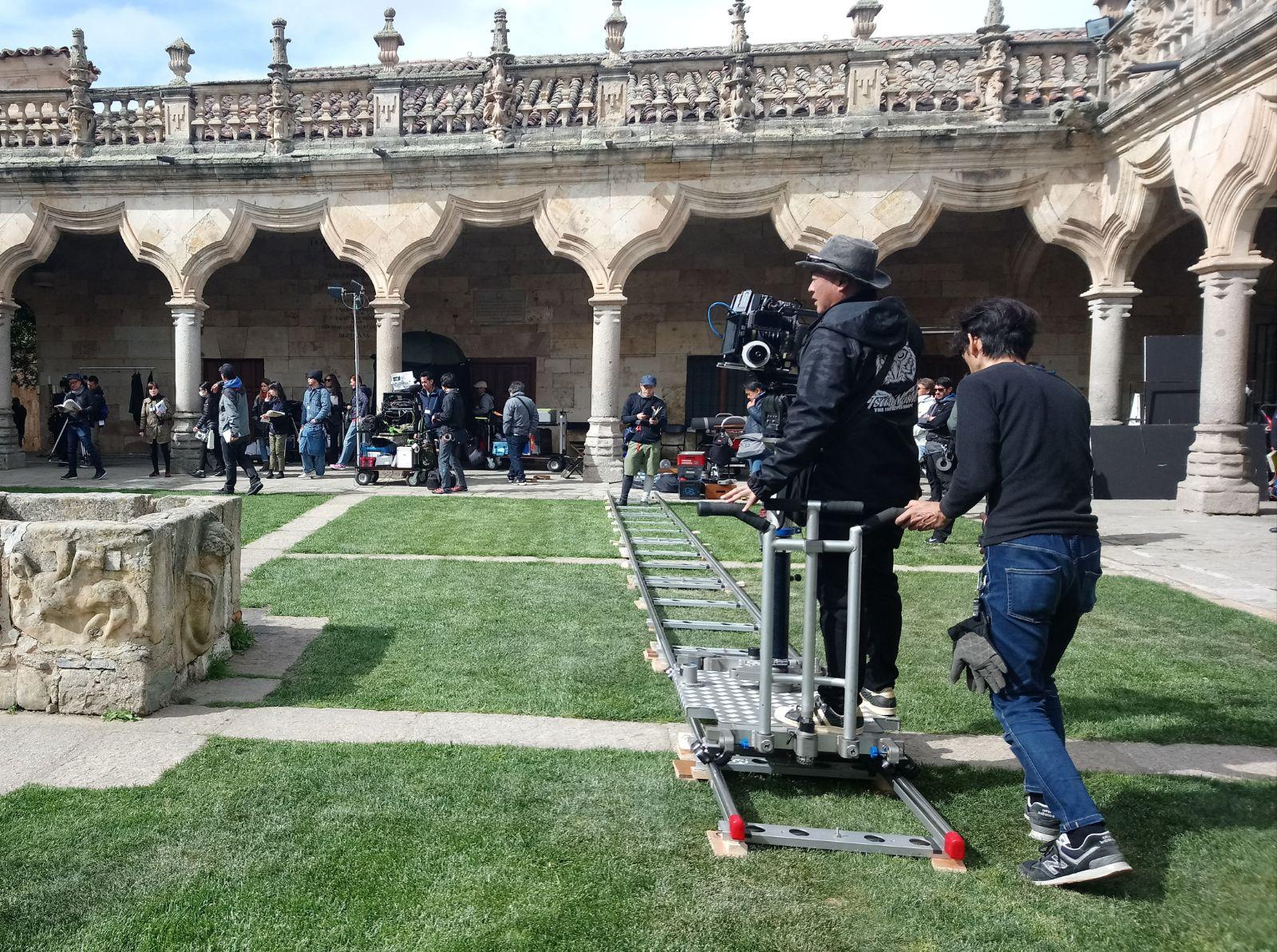 La Universidad de Salamanca vuelve a la ficción con el estreno de la serie japonesa 'Magi', rodada en el marco del VIII Centenario