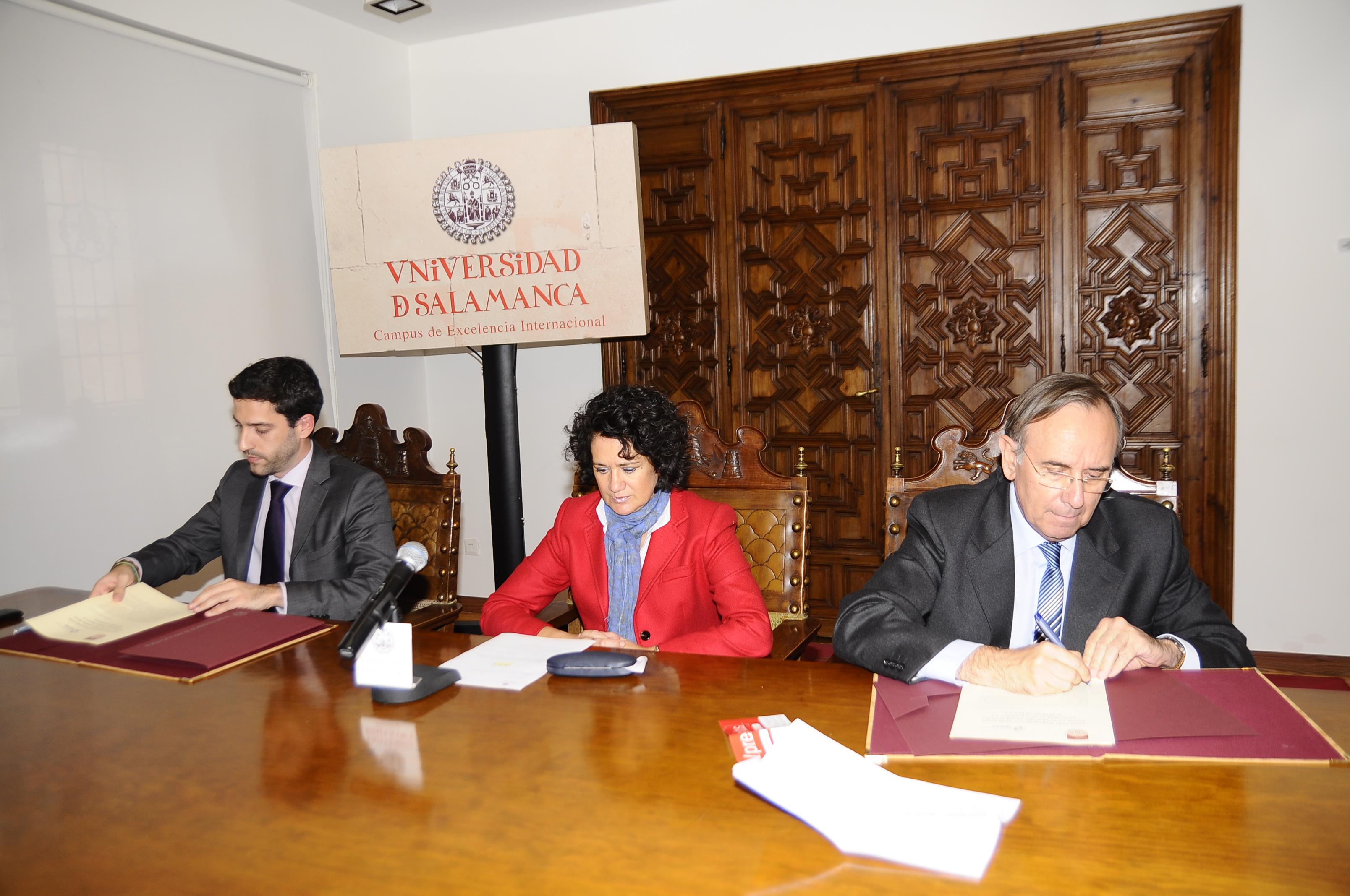 La Fundación General suscribe un convenio con la empresa Plásticos Dúrex
