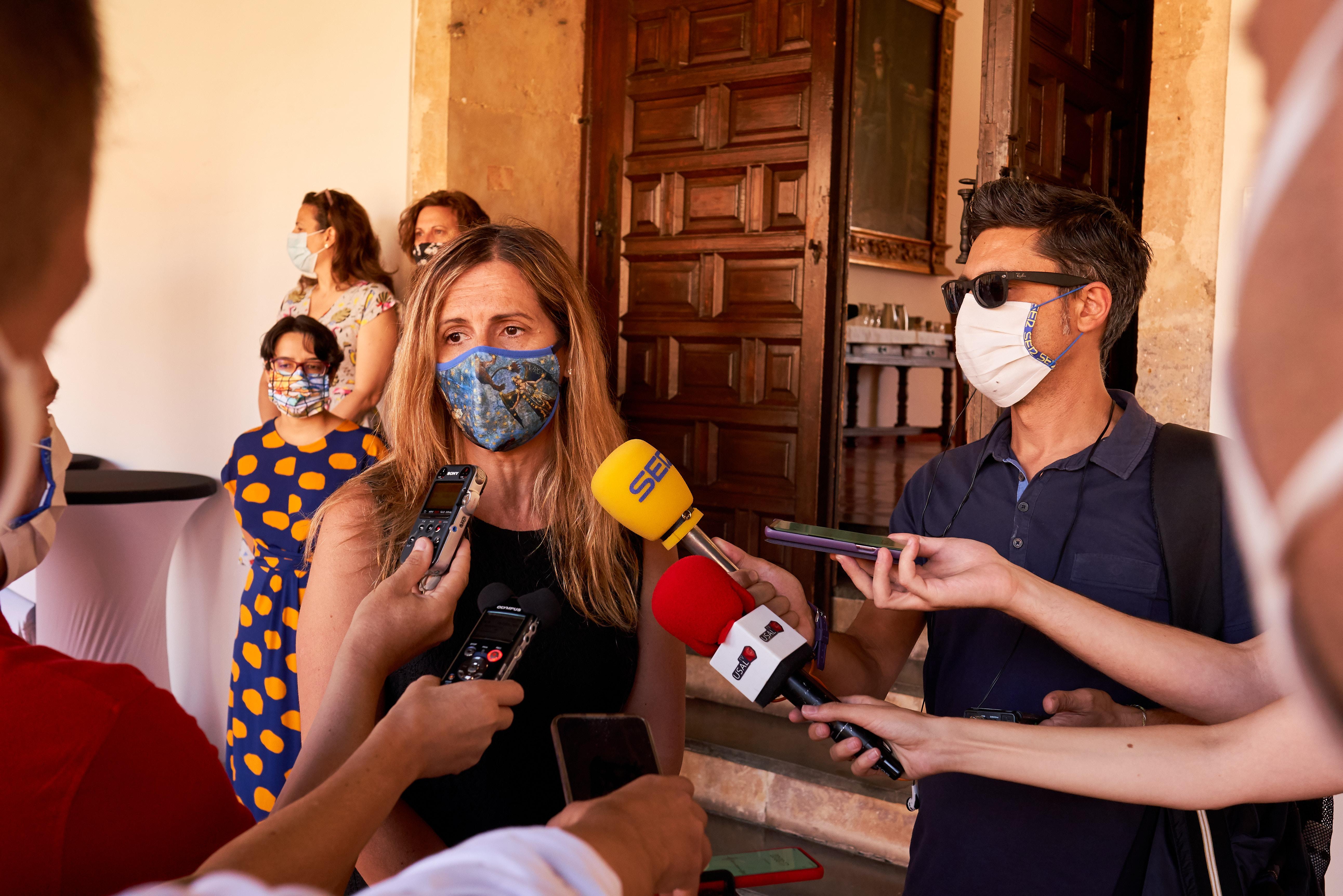 La secretaria de Estado de Migraciones, Hana Jalloul Muro, imparte la conferencia inaugural del III Congreso Internacional Políticas Públicas en defensa de la Inclusión, la Diversidad y el Género de la Universidad de Salamanca