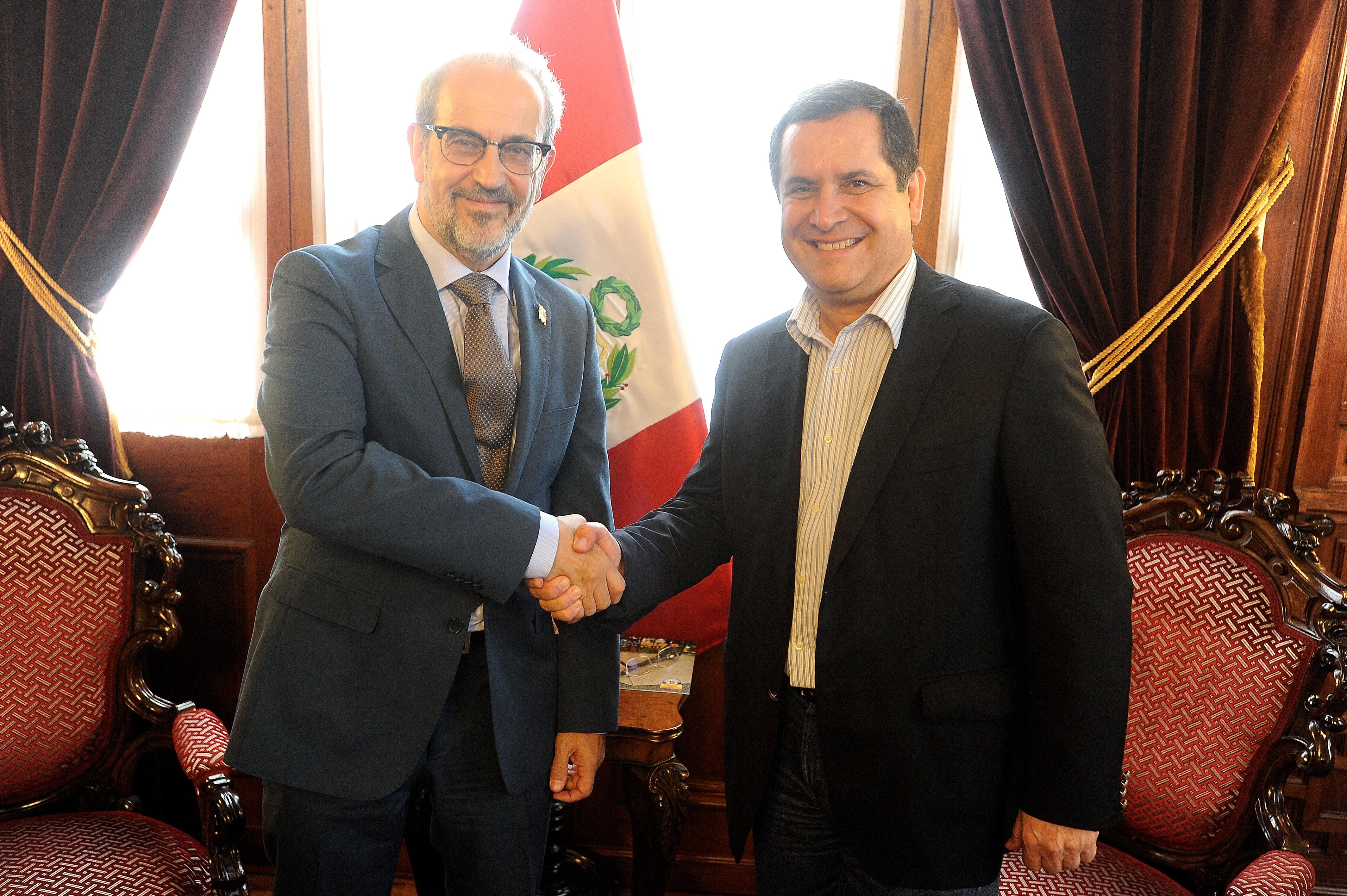 La Universidad de Salamanca presenta en Perú amplia oferta de formación 'online'