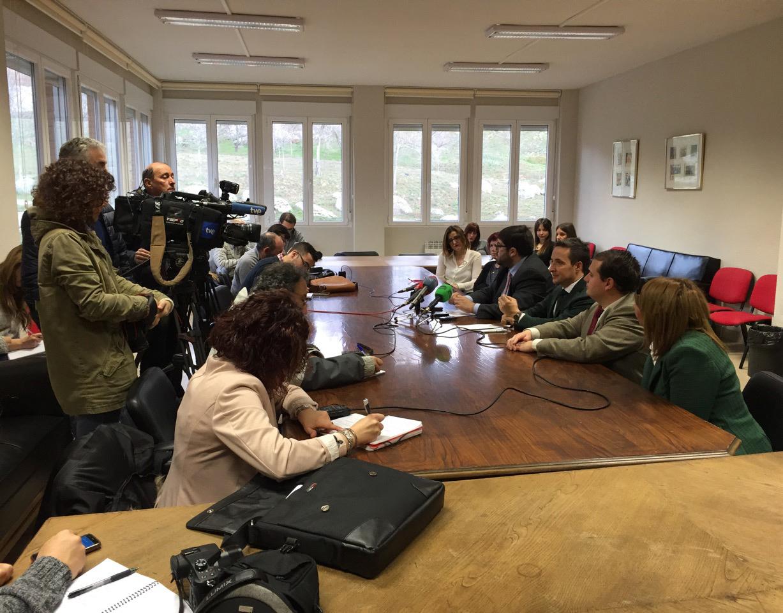 La Universidad de Salamanca y la Diputación de Ávila suscriben un convenio de colaboración para impulsar el centro sanitario SIADOE de intervención y asesoramiento en dificultades del lenguaje