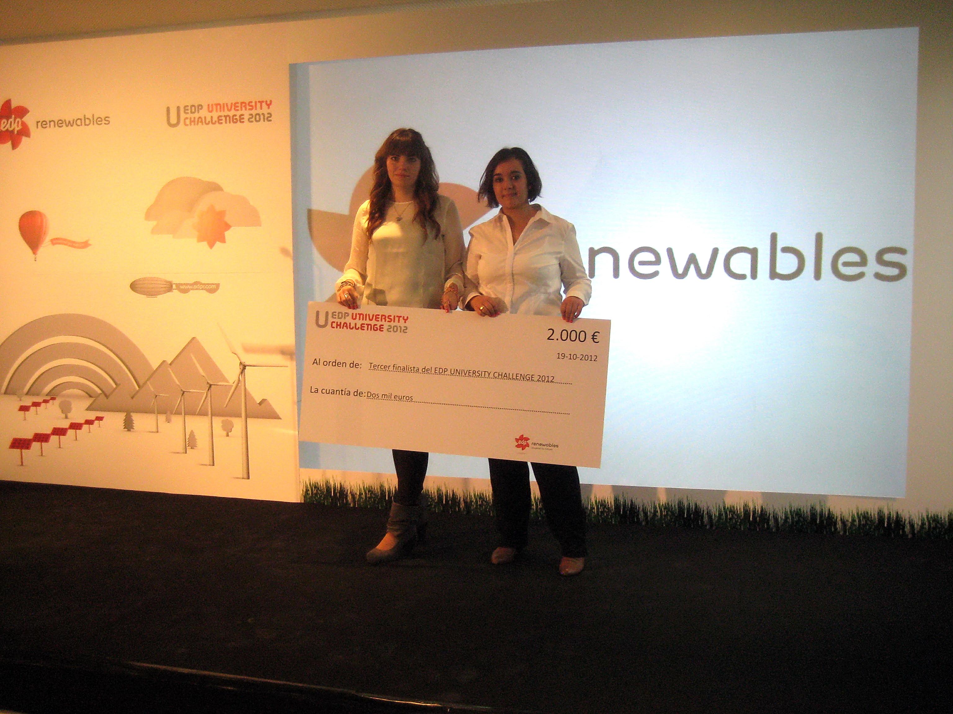 Dos alumnas de la Escuela Politécnica Superior de Ávila se alzan con el tercer puesto en un concurso nacional sobre proyectos de energías renovables