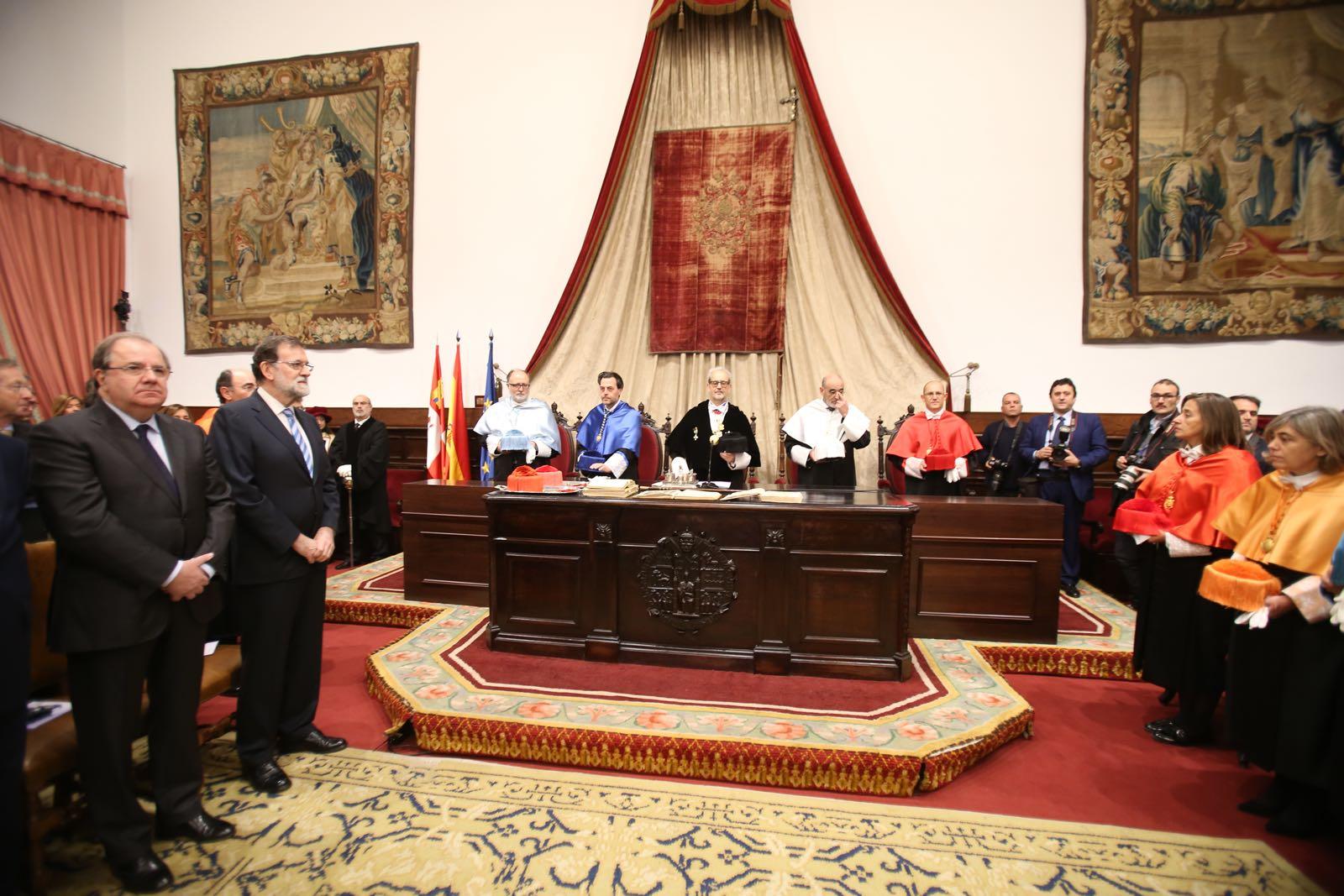 La Universidad de Salamanca inviste doctores honoris causa al presidente de la Comisión Europea, Jean Claude Juncker, y al excomisario de Asuntos Sociales, Educación y Cultura, Manuel Marín