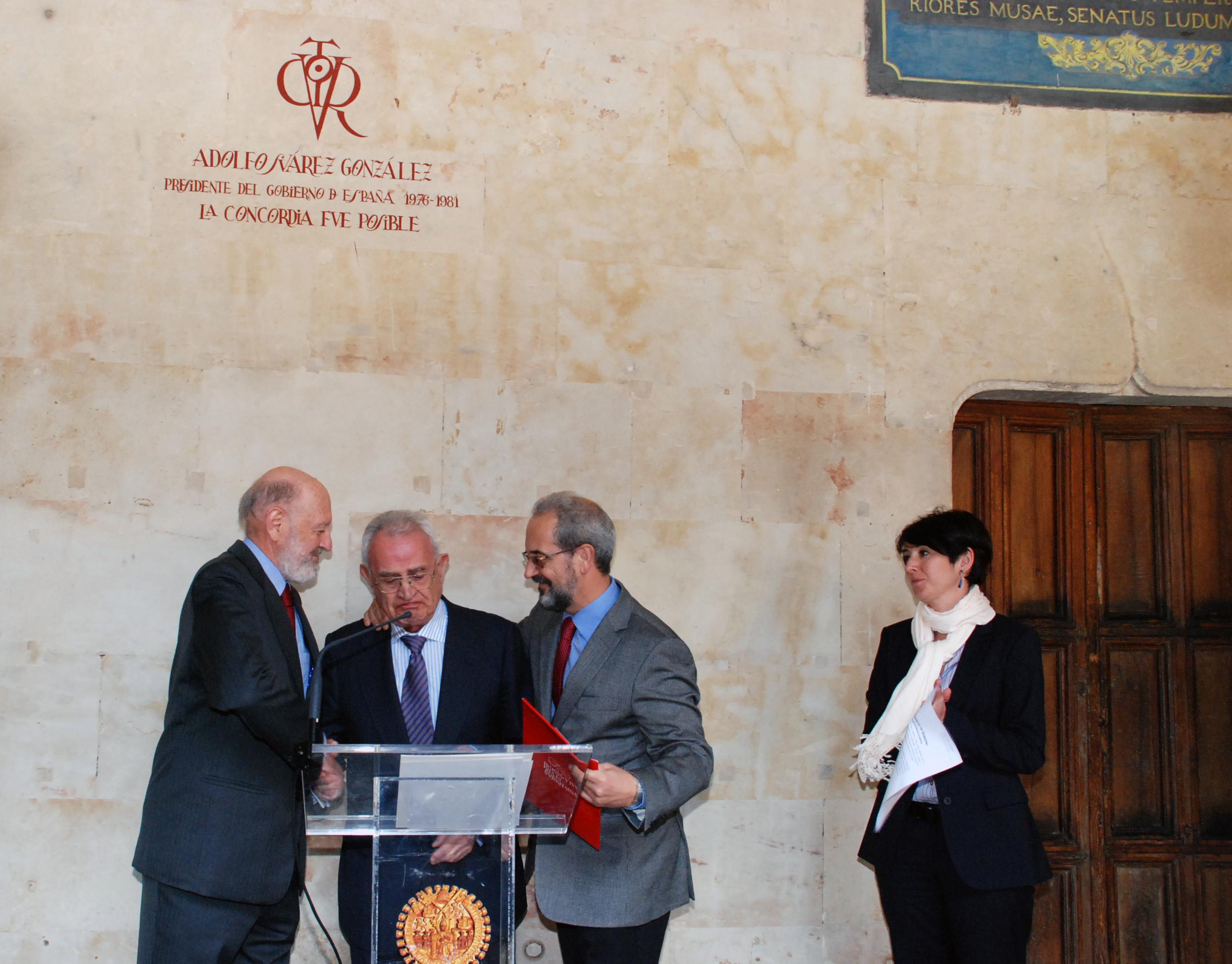 La Universidad de Salamanca rinde homenaje a Adolfo Suárez