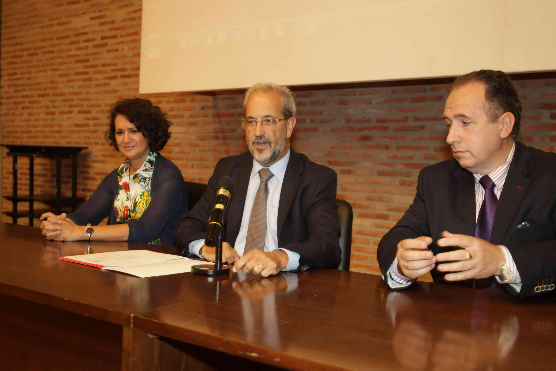 El rector asiste al homenaje de los exdirectores del Departamento de Bioquímica y Biología Molecular de la Universidad de Salamanca