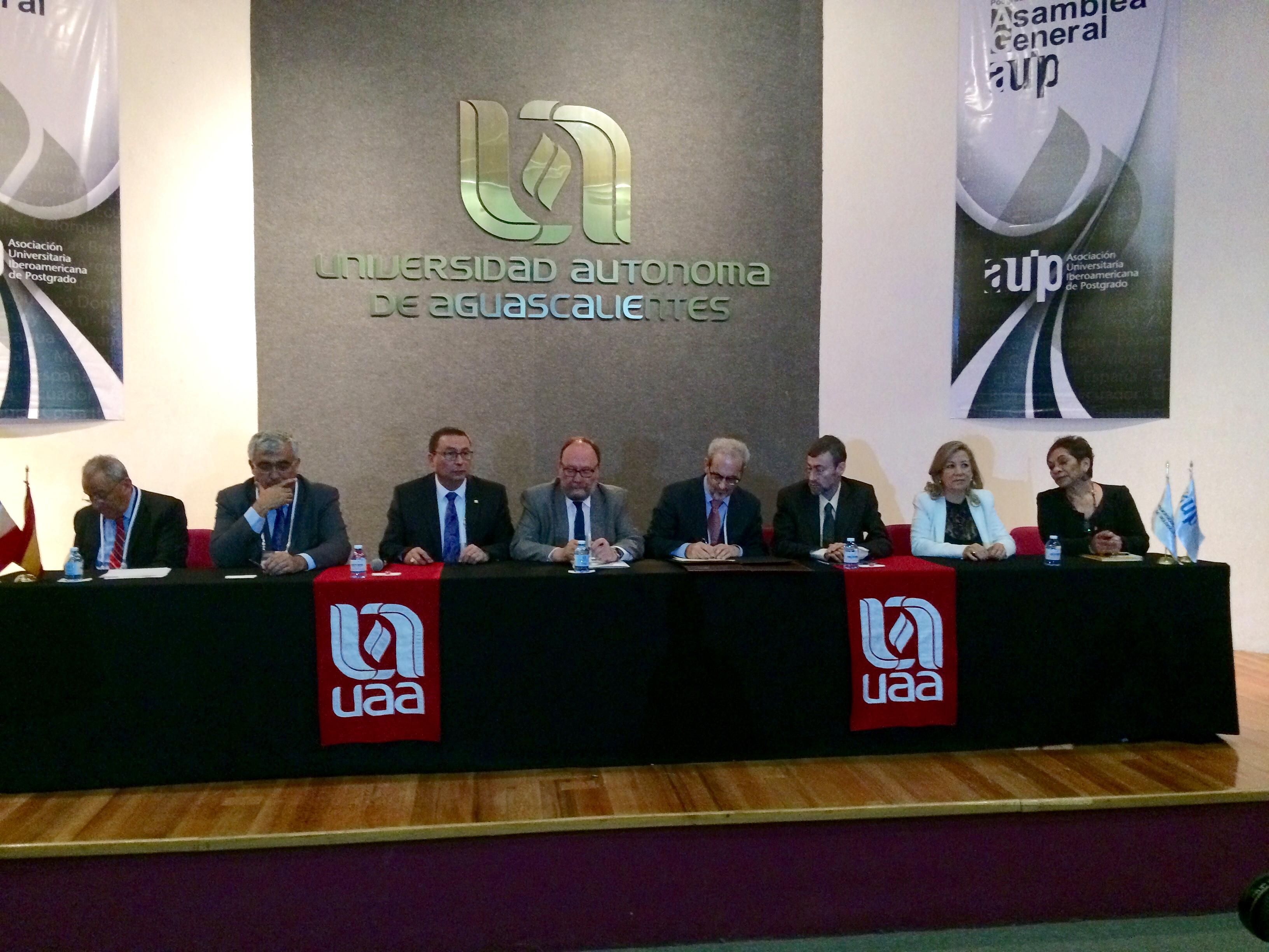El rector de la Universidad de Salamanca participa en la Asamblea General de la Asociación Universitaria Iberoamericana de Postgrado