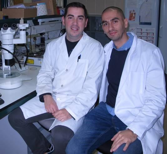 Los investigadores de la Universidad Raúl Rivas y José David Flores, premio de investigación 'Julián Sánchez el Charro'