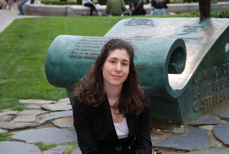 La estudiante Alicia García Adames recibe el XV Premio Andreu Febrer de Traducción Literaria