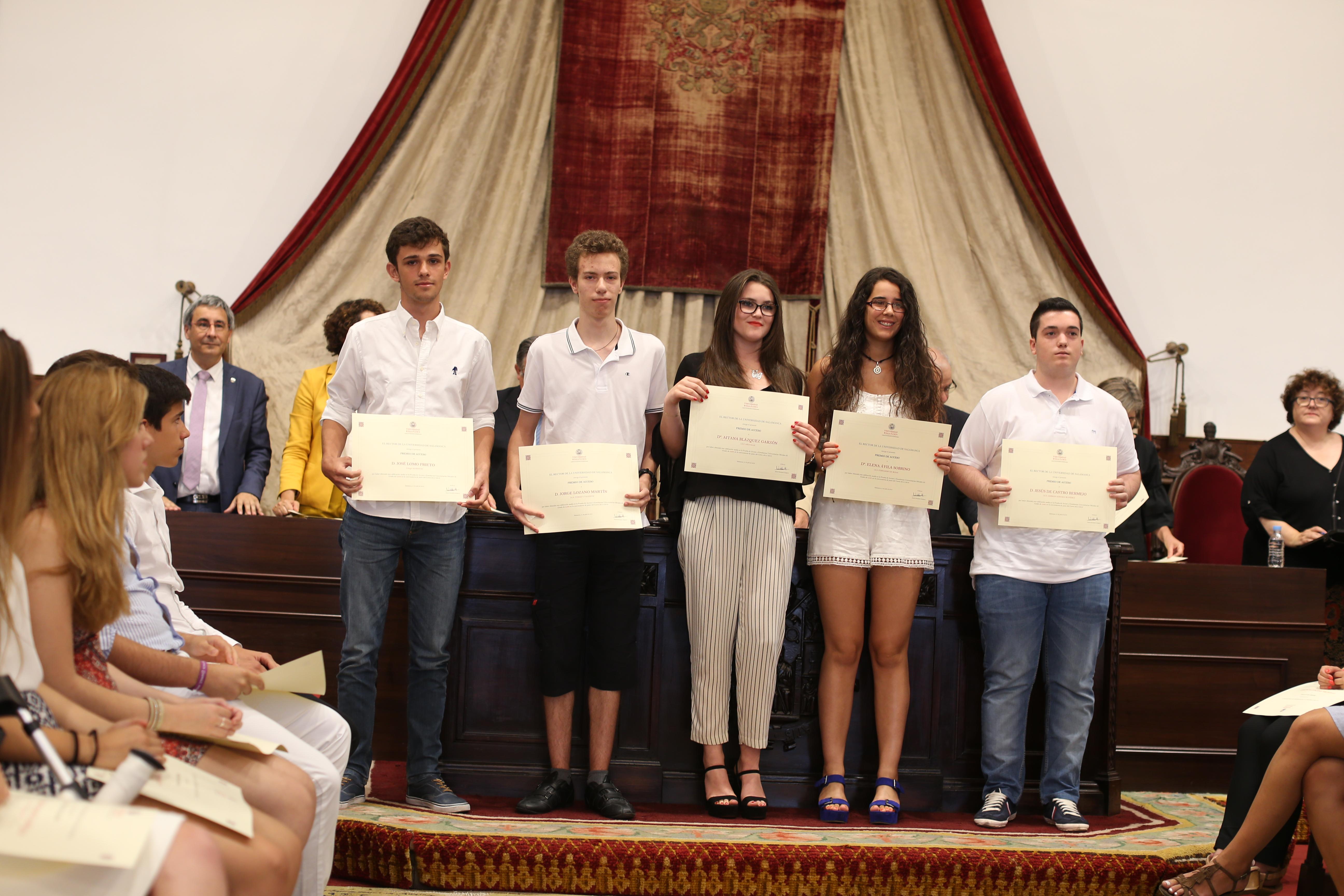 Un total de 156 jóvenes reciben los Premios Acceso 2016 a los mejores estudiantes de Selectividad en la convocatoria de junio