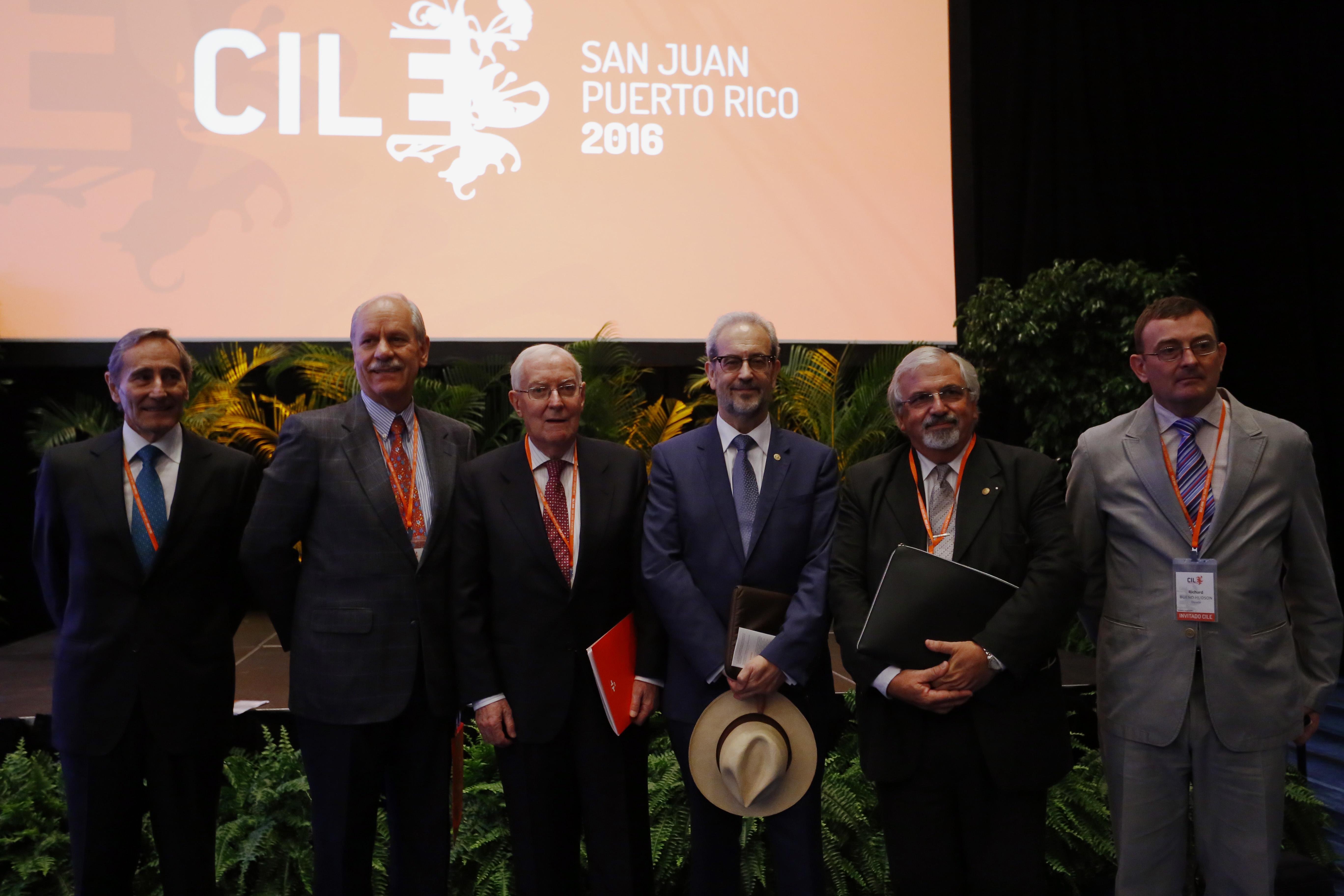 El rector de la Universidad de Salamanca presenta en Puerto Rico el nuevo certificado electrónico de español