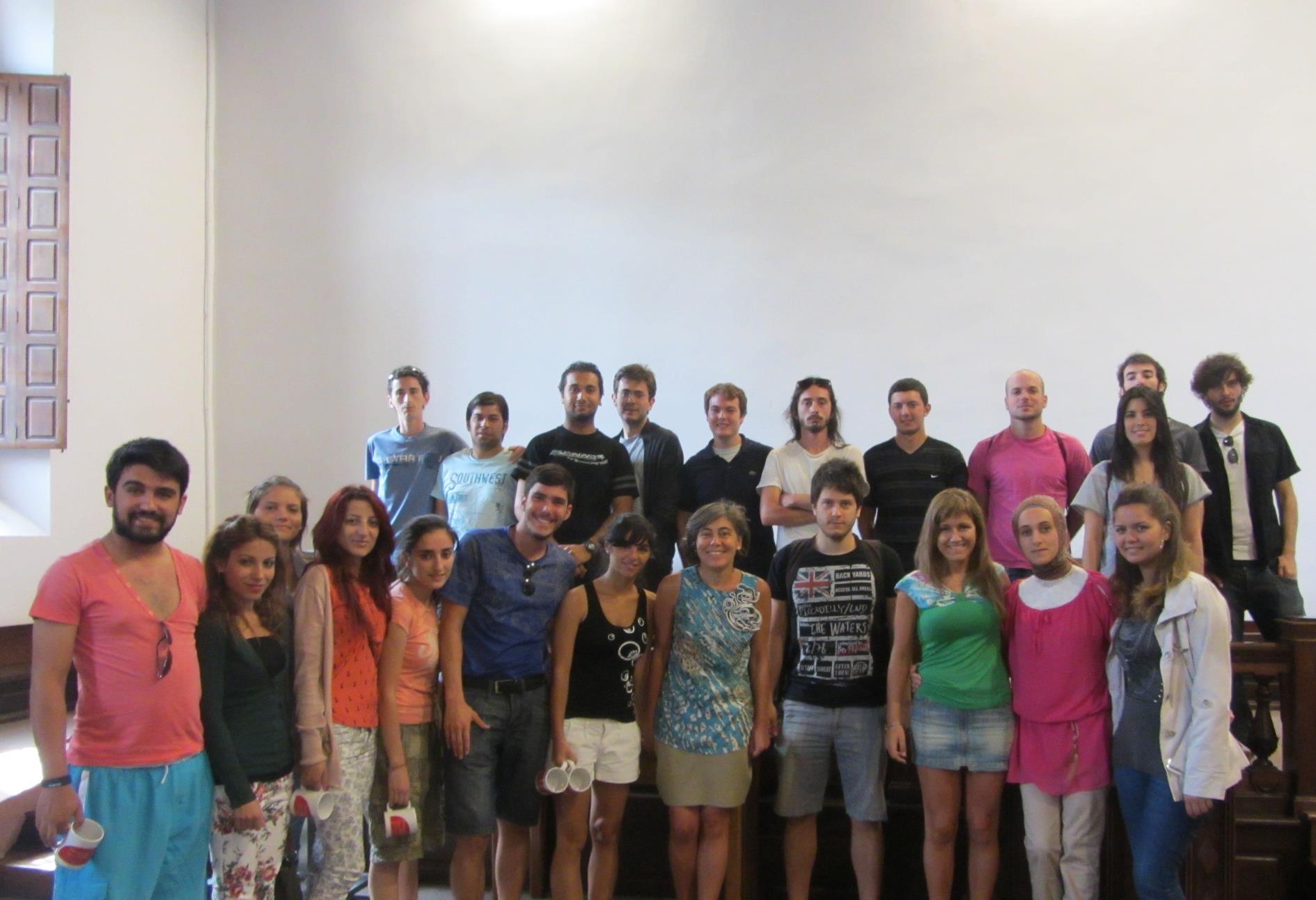 La vicerrectora de Estudiantes e Inserción Profesional recibió la visita de un grupo de jóvenes españoles y turcos dentro de una iniciativa del grupo informal Solgentia