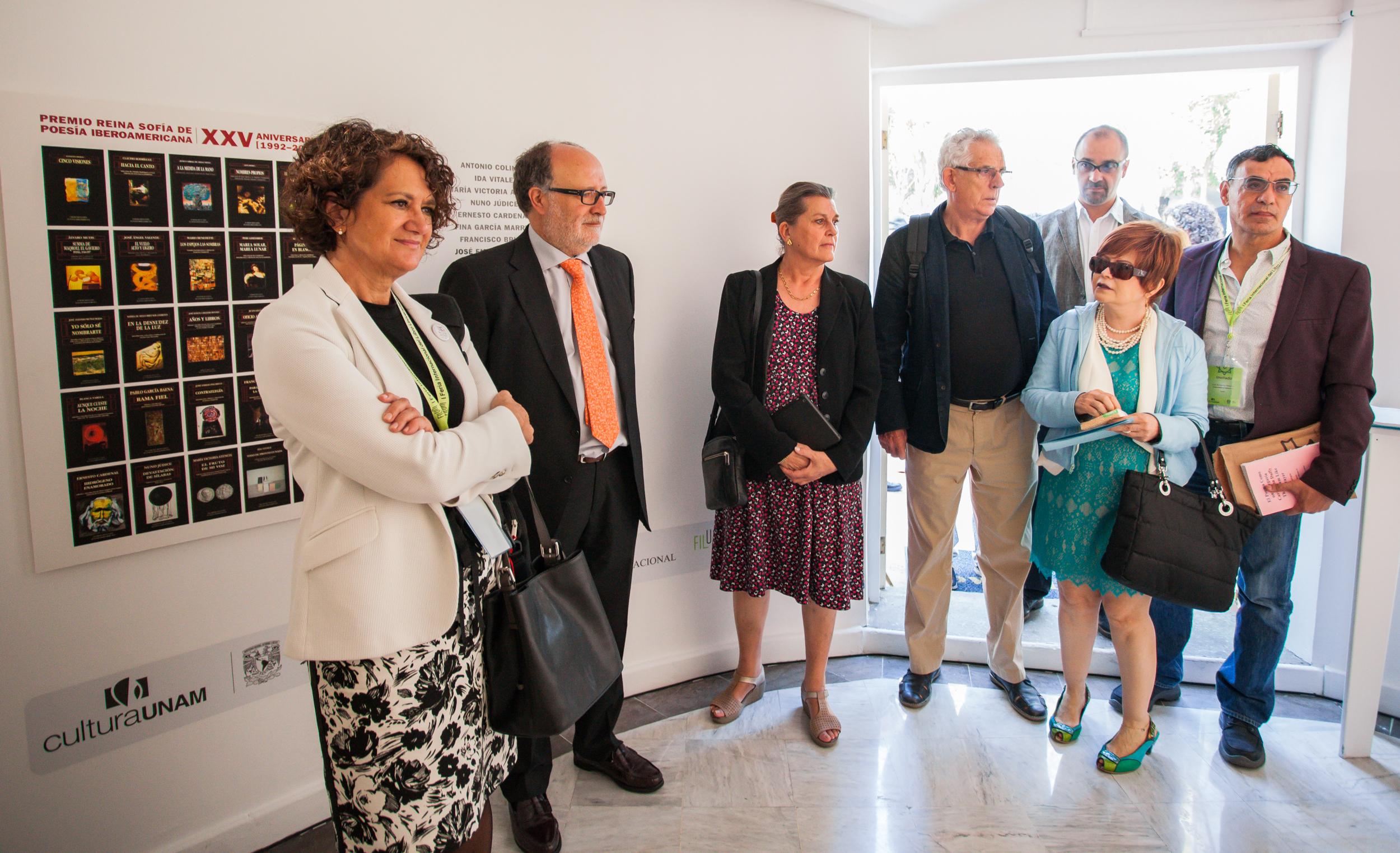 Inaguración de la exposición de los Premios Reina Sofía de Poesía Iberamericana.