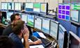 Científicos del CERN trabajando en el LHC