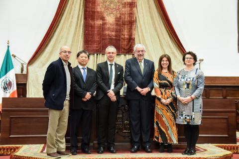 De izquierda a derecha: Jorge Volpi, Alberto Ken Oyama, Ricardo Rivero, Enrique Graue, Ana Belen Ríos e Izaskun Álvarez.