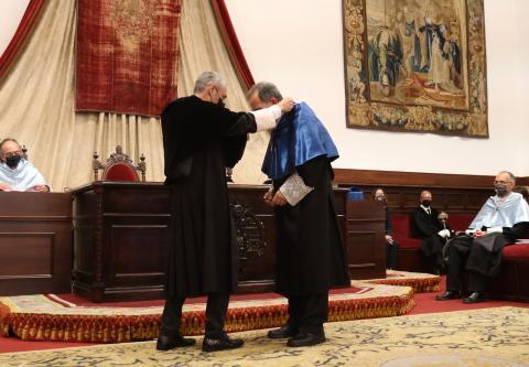 La Universidad de Salamanca inviste como doctores 'honoris causa' a la poeta rumana Ana Blandiana y al químico español Avelino Corma