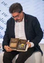 El escritor y profesor de la USAL Luis García Jambrina.