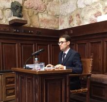 El profesor Ángel Fernández Silva durante la lectura su tesis doctoral.