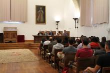 El rector, Ricardo Rivero, junto a  Daniel Mitraud, Daniele Aparecida, Ignacio Berdugo y José Miguel Sánchez Llorente, en el Aula Salinas,