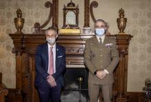 Ricardo Rivero junto con el teniente coronel Ignacio Javier García López